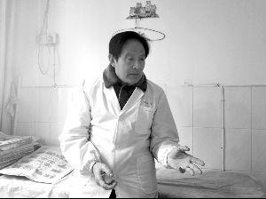 """74岁医生开出""""1元钱药方"""":开多了没用"""